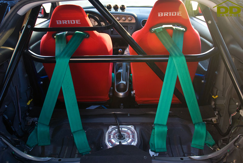 Wrapping Takata Shoulder Belts on a Harness Bar | Double D Garage